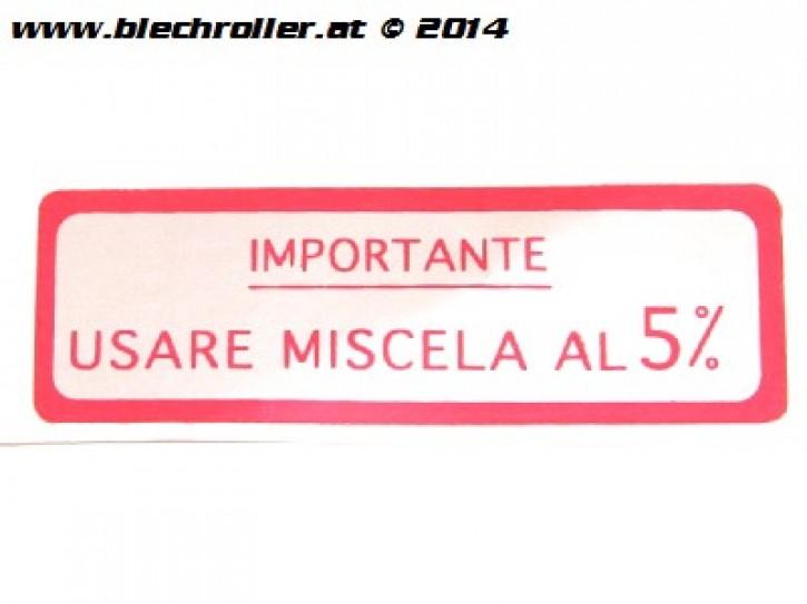 """Aufkleber """"Usare Miscela al 5%"""", siehe Details für welches FZ - Rot"""