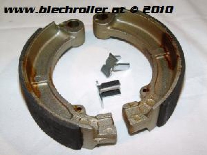 Bremsbeläge NEWFERN Vespa 125/150 Super/P150S - hinten