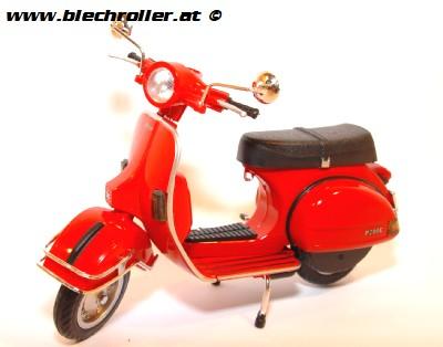 Modell Vespa P200E / PX200, (1:12) - Rot