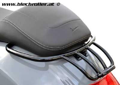 Gepäckträger hinten MOTO NOSTRA, mit Soziushaltegriff Vespa GT, GTL, GTV, GTS, GTS Super, GT60 - 125-200-250-300cc - Schwarz glänzend