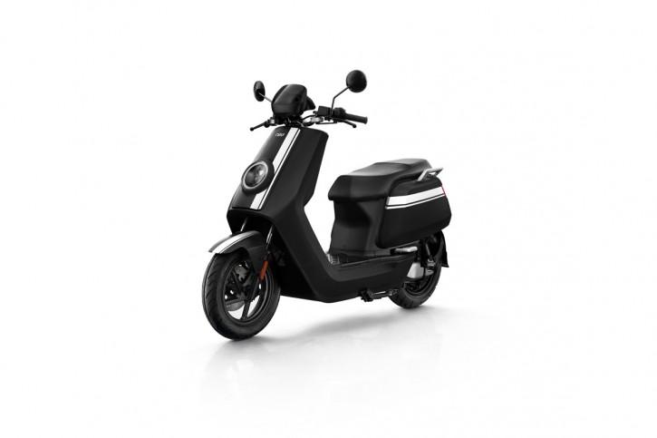 NIU NQiGT 70 km/h, Elektro Roller, Neufahrzeug Schwarz/Weiß
