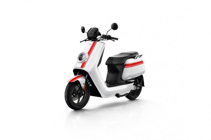 NIU NQiGT 70 km/h, Elektro Roller, Neufahrzeug Weiß/Rot